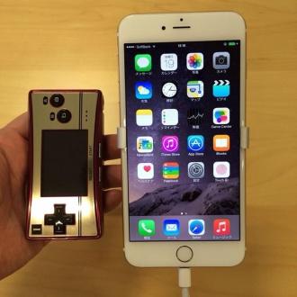 iPhone6Plusとゲームボーイミクロ