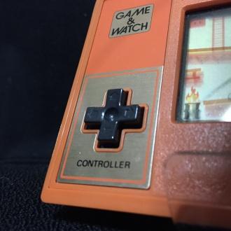 ゲーム&ウオッチ「ドンキーコング」の十字ボタン