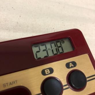 連射測定機能付コントローラ型アラームクロック 液晶部分