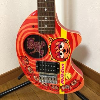 ウンジャマラミー ギター ボディ部拡大